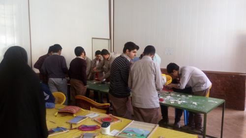 نمایشگاه و کارگاه خلاقیت و دست ورزی در مجتمع آموزشی آل طه